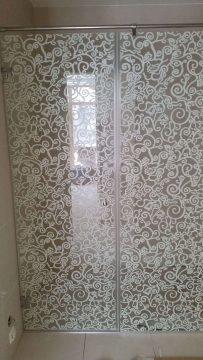 berėmė dušo kabina margintas stiklas